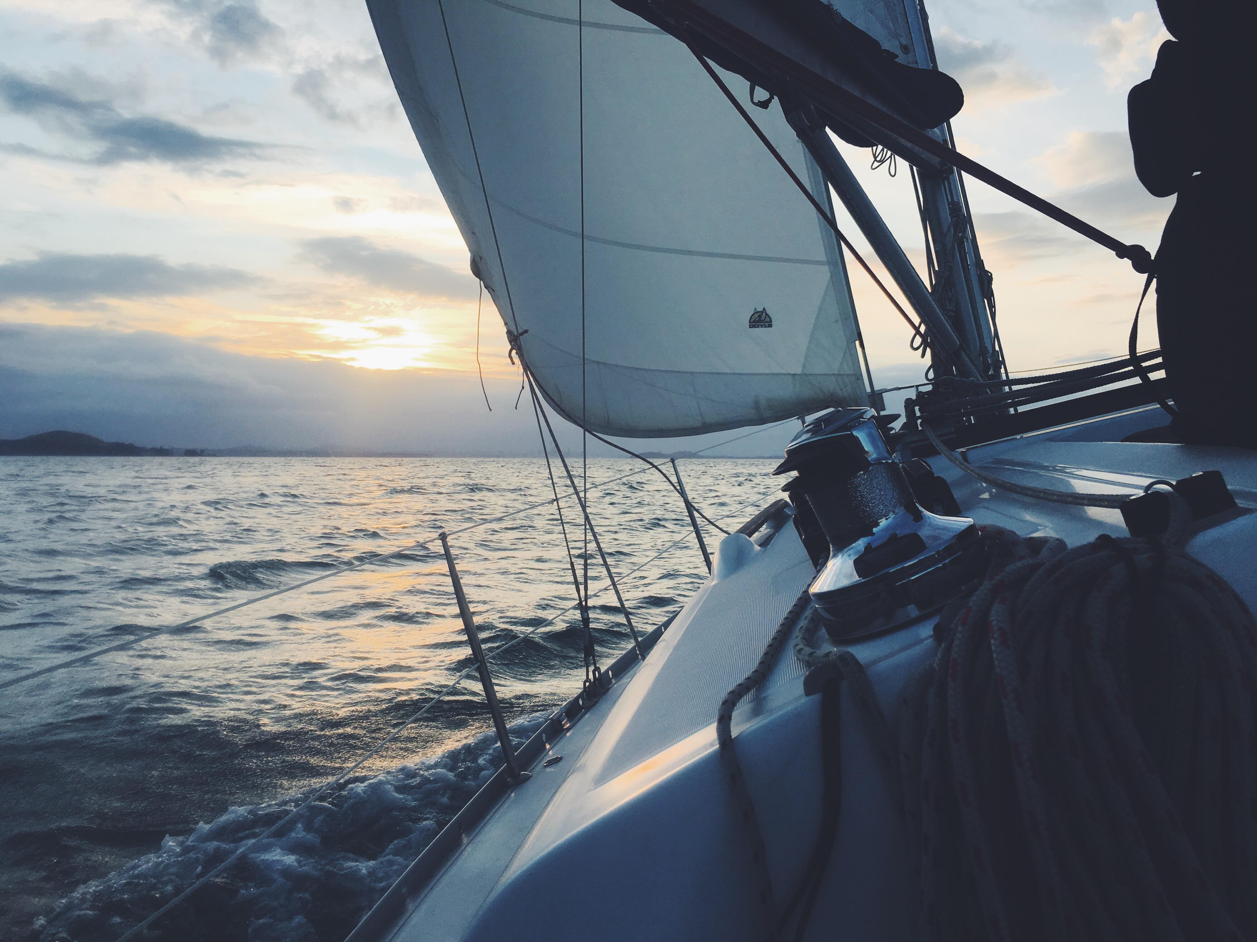 sailing-cruising.jpg